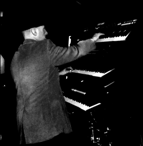Allan Loucks live on keyboards 2017