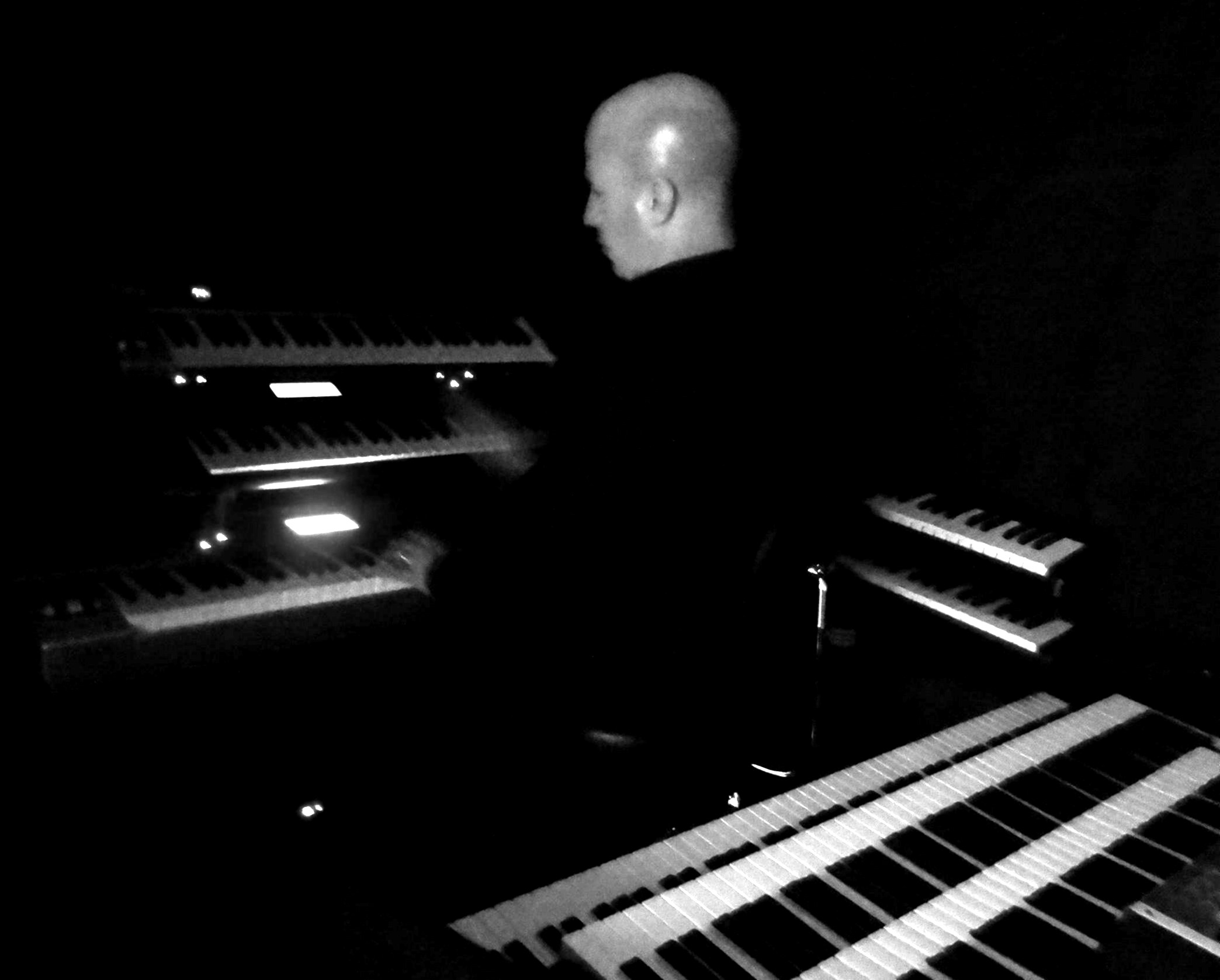 Allan Loucks live on keyboards 2013